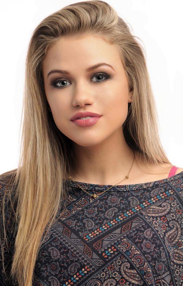 Makeup-Model-Blonde-Girl-1